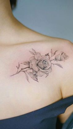 ideas simple rose tattoo design colour for 2019 Back Of Shoulder Tattoo, Flower Tattoo Shoulder, Back Tattoo, Tattoo Neck, Tiny Tattoo, Elegant Tattoos, Pretty Tattoos, Beautiful Tattoos, Rosen Tattoo Frau