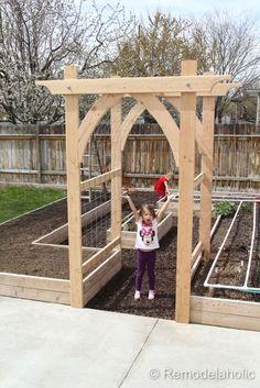 Vegetable Garden Arbor DIY garden pergola Build an Elevated Planter Box (and save your back! Garden Arbor, Veg Garden, Vegetable Garden Design, Garden Trellis, Vegetable Gardening, Garden Entrance, Garden Archway, Garden Landscaping, Diy Trellis
