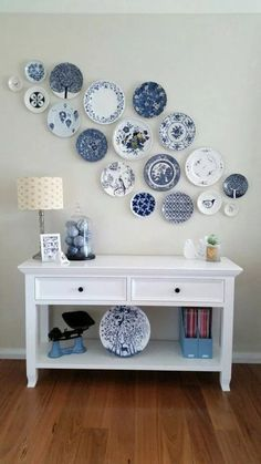 40 ideas to decorate the walls is part of Plate wall decor - 40 ideas para decorar las paredes 40 ideas to decorate the walls Thousand Decoration Ideas Plate Wall Decor, Wall Plates, Ceramic Plates, Hanging Plates On Wall, Decorative Plates, White Decor, Living Room Decor, Decor Room, Bedroom Decor