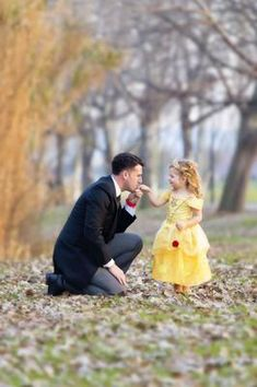 Father Daughter Photography, Little Girl Photography, Children Photography, Father Daughter Pictures, Dad Daughter, Mother Daughters, Summer Family Photos, Cute Baby Pictures, Family Pictures