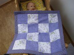 PUTE,DYNE OG VOGNTEPPE TIL DUKKEN Quilts, Dolls, Blanket, Sewing, Bed, Handmade, Home, Baby Dolls, Dressmaking