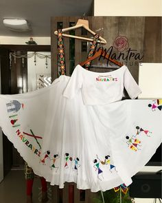 ― MANTRA COUTURE ™さん( 「Happy Sunday Everyone! With Hand paint warli print! Choli Designs, Lehenga Designs, Saree Blouse Designs, Choli Dress, Lehenga Choli, Indian Dresses, Indian Outfits, Dandiya Dress, Navratri Dress