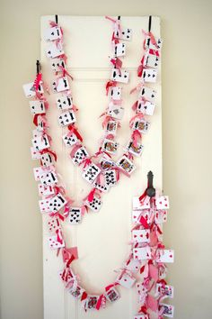 4 playing card garlands, casino party