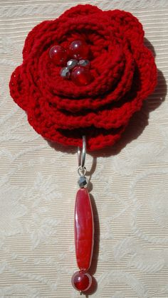 Red Crocheted brooch by lindapaula on Etsy, €12.00