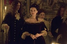 Anna Brewster as Montespan in Versailles. Versailles Bbc, Versailles Tv Series, Historical Tv Series, Canal Plus, George Blagden, 17th Century Fashion, Bbc Tv Shows, Rococo Fashion, Period Costumes
