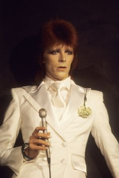 David Bowie 1975 performing in white https://likes.asos.com/26454/david-bowie-beauty/