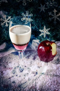 Snow White Cocktail Recipe! Interesting and Unique! #Unique #Red_and_White #Snow_White #Snow #White #Christmas #Holiday #Cocktail #Drinks #Recipes
