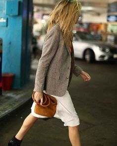 Fashion Gone rouge: Photo Beige Outfit, Edgy Outfits, Fall Outfits, Camille Charriere, Fashion Gone Rouge, Corporate Fashion, Parisian Chic, Lookbook, Plaid Blazer