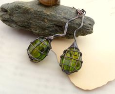 Copper wire contemporary earrings green beaded by ArtemisFantasy