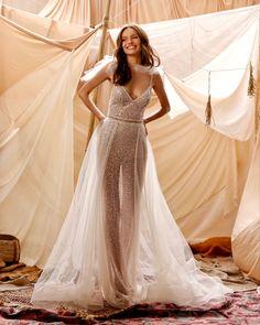 Bridal Dresses 2018, Princess Wedding Dresses, Wedding Gowns, Muse By Berta, Asian Wedding Dress, Modern Wedding Inspiration, Bridal Collection, Beautiful Bride, 16 August