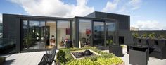 Image from http://www.edinburgharchitecture.co.uk/images/jpgs/quartermile_penthouse_extension_k120412_kh4.jpg.