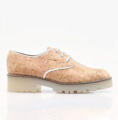 Chaussures Oxford en liège avec semelle en gomme.