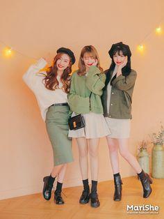 Marishe Korean Fashion Similar Look I Pin By Aki Warinda Korean Spring Fashion Street Styles, Korean Spring Outfits, Korean Girl Fashion, Asian Street Style, Korea Fashion, Vogue Fashion, Asian Style, Asian Fashion, Korean Style