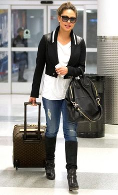 d7ccc541d2be Vanessa Minnillo Lachey JFK Airport in New York City February 19