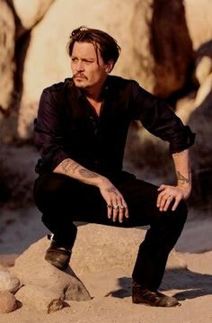 Johnny Depp's 11 Essential Style Lessons – Celebrities Woman Johnny Depp Fans, Young Johnny Depp, Here's Johnny, Johnny Depp Wallpaper, John Depp, Johnny Depp Pictures, Film Disney, Kentucky, Hot Actors