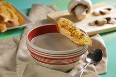 La receta de crema de champiñones te va a encantar, esta preparación tiene el sabor casero de receta mexicana tradicional, tan fácil de cocinar que nunca volverás a comprar la crema de champiñones enlatada.
