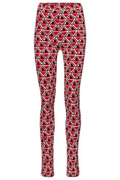 For Moncler Genius's 3 MONCLER GRENOBLE line by Sandro Mandrino, these red leggings are designed with form and function in mind. Note their exceptional design features: the non-slip high-rise waist, ample stretch for comfort and thermal insulation for essential warmth. Wear yours with the matching top for a fashion-forward base layer. #mytheresa #moncler #monclergenius #monclergrenoble #skileggings #skioutfit #designskioutfit Ski Outfits, Red Leggings, Thermal Insulation, Sandro, Moncler, Fashion Forward, Skiing, Luxury Fashion, Pajama Pants