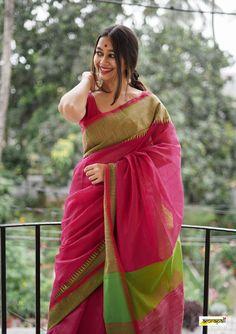 Indian Bridal Outfits, Indian Designer Outfits, Teen Fashion Outfits, Fashion Dresses, Kanjivaram Sarees Silk, Saree Poses, Saree Blouse Patterns, Stylish Sarees, Girl Photography Poses
