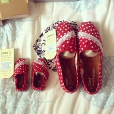 Cute custom TOMS - Too cute. Perfect for family pictures .. matching shoes for Mommy and Baby Girl.