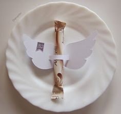 Diamantin's hobby world: Winged Amicelli table decoration – Invitation 2020 Chocolate Angel, Chocolate Party, Chocolate Gifts, Frugal Christmas, Christmas Love, First Communion Favors, Christmas Napkins, Diy Advent Calendar, Xmas Food