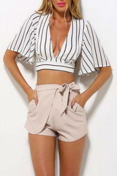 BerryGo striped deep v neck girls boho cropped top Summer sexy women fashion beachwear short crop tops blusas Cute Fashion, Women's Summer Fashion, Look Fashion, Fashion Outfits, Fashion Women, Runway Fashion, Trendy Fashion, Fashion Trends, Crop Top Und Shorts