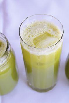 glowing green juice:  2 apples 2 oranges 1 cucumber 1 yellow bell pepper 3 pineapple slices 1 lemon   Juice. Drink. Beam.
