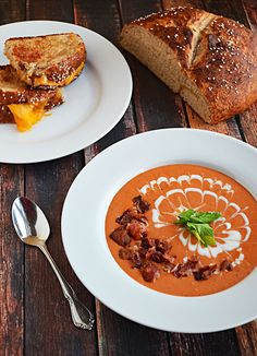 This Tomato Bacon Bisque is the perfect homemade soup to keep you warm and happy! | blog.hostthetoast.com