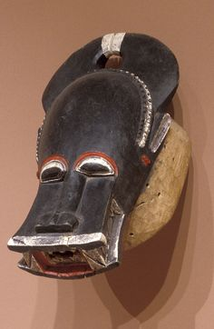 Africa | Helmet mask for Bonu Amuen masker.  Baule people.  20th century.