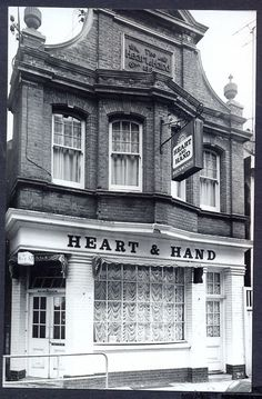 The #heart & hand, ship street. 1960's mint #brighton pub #postcard. free uk post,  View more on the LINK: http://www.zeppy.io/product/gb/2/351590713334/