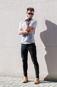 Dark Chinos & Light tshirt combo cant be better than this ⋆ Men's Fashion Blog - TheUnstitchd.com