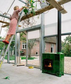 Timber clad box projection steadings pinterest - Maison cloudy bay shack par tonkin zulaikha greer ...