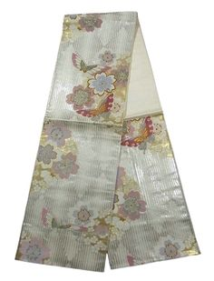 This is a cute Fukuro obi with a design of sakura(cherry blossom) and butterfly, which is woven on diamond and stripe pattern