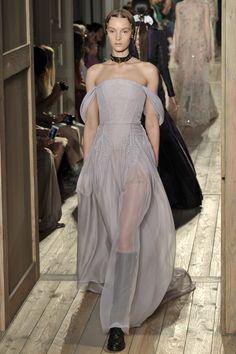 Valentino, haute couture A-H 16/17 - L'officiel de la mode