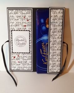 Nurkkaanajettu: Suklaakortti ohje Handmade Christmas, Christmas Crafts, Xmas, Chocolate Card, Diy And Crafts, Paper Crafts, Anna, Gift Packaging, Diy Cards