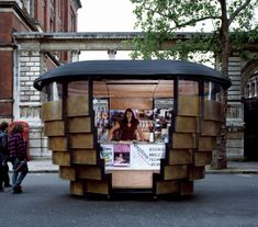 Paperhouse  Kensington and Chelsea, London a Heatherwick Studio's stand.
