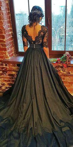 corset vestido Beautiful Black Wedding Dresses That Will Strike Your Fancy Black Wedding Gowns, Fancy Wedding Dresses, Wedding Dress Styles, Trendy Wedding, Lace Wedding, Halloween Wedding Dresses, Wedding Ideas, Gown Wedding, Black Ball Gowns