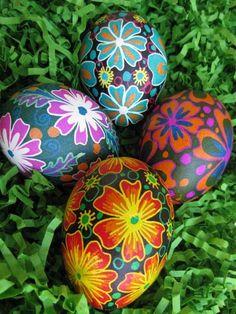 Ukrainian Easter egg pysanka chicken egg by UkrainianEasterEggs