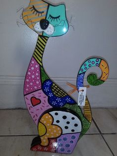 Gatos country - Her Crochet Cat Crafts, Wood Crafts, Diy And Crafts, Wood Craft Patterns, Mosaic Patterns, Decorative Plaster, Arte Country, Cow Art, Fused Glass Art