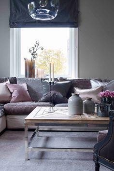 Kanin FR1104, farge er en nyanse av greige, som er en gylden rolig farge mellom beige og grått#sofabord#woodonstreet#light&Living#lamper#krukker#vaser#pink#rosa#teppe#Purelounge#Lano#liftgardin#puter#Gold1006#GriggioPiccione#Greenapple#KaninFR1104#stue#rustikk#livingroom#grey#grå#inspiration#inspirasjon#Fargerike Ikea, Lights, Ikea Co, Lighting, Rope Lighting, Candles, Lanterns, Lamps, String Lights