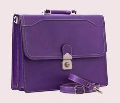 http://www.backsand.se/vaskor/stockholm/lila-portfolj.html  Purple Briefcase