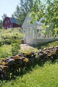 Valkoinen Puutalokoti: Kasvihuone, ansari, lasipapalatsi, kesähuone - iha...