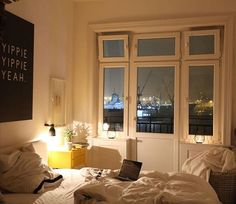 Sometimes everything you can handle right now  #art #bed #bedroom #comfy #decor #decoration #Fischmarkt #goodnight #Hamburg #hh #interieur #interior #interior4all #interiordecor #interiordesign #interiors #interiorstyling #mood #myview #room #roomwithaview #saturday #tired #view #wallart