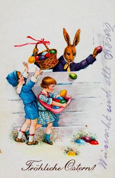 """""""Fröhliche Ostern!"""", Hase mit einem Korb verteilt am Zaun an Bub und Mädchen bunte Ostereier. Um 1930. Farblithographie"""
