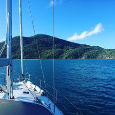 Beautiful island view to wake up to #queensland #sailingroundtheworld #yacht #greatbarrierreef #whitsundays #adventure #sea #bluesky by sailingvesselsantorini http://ift.tt/1UokkV2