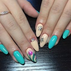 Accurate nails, Beige nails with rhinestones, Drawings on nails, Evening nails…