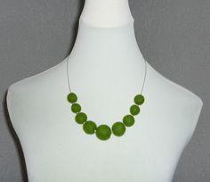 Filzketten - Filzkette grün mit Edelstahlperlen - ein Designerstück von CH-FilzKunst bei DaWanda