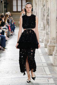 Proenza Schouler Spring 2018 Ready-to-Wear  Fashion Show - Lea Holzfuss