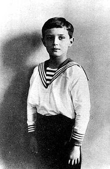 Zoontje Aleksej geboren op 12 augustus 1904