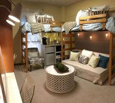 22 College Dorm Room Ideas for Lofted Beds - Cassidy Lucille 22 college dorm room ideas for lofted beds. If you have a lofted bed in your college dorm room, you must see these ideas. Dorm Layout, Dorm Room Layouts, Dorm Room Designs, Collage Dorm Room, Lofted Dorm Beds, Dorm Room Beds, Dorm Room Organization, Organization Ideas, Dorm Room Storage