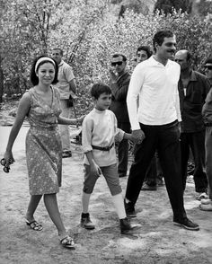 Sharif with his wife, Faten Hamama, and their son, Tarek, 1965 Omar Sharif: a life in pictures